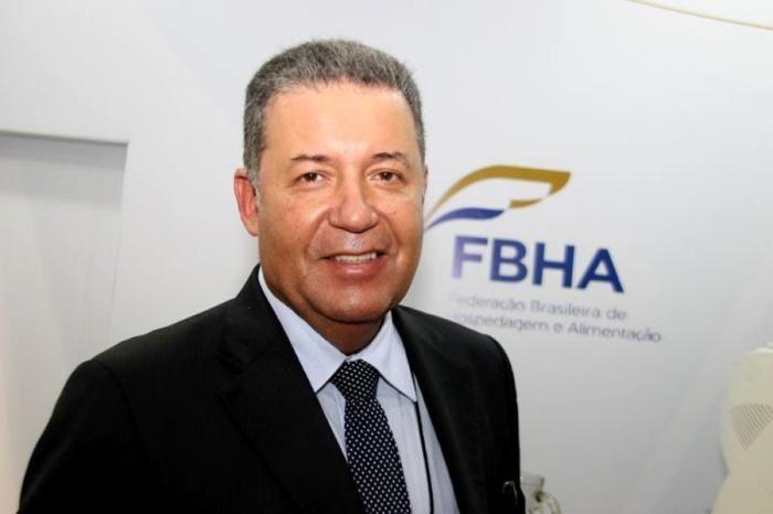 Resultado de imagem para Alexandre Sampaio Presidente da Federação Brasileira de Hospedagem e Alimentação