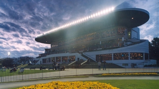 Argentina's racetracks pushing for slots