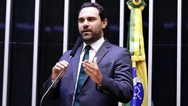 Deputado Adolfo Viana pede votação do PL 442/91 que legaliza os jogos de azar